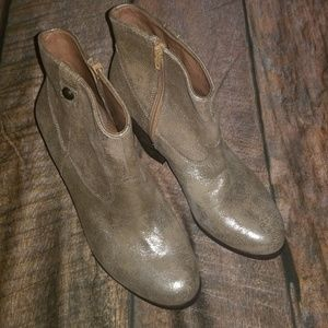 NWOT Burnished Gold Leather Cowboy Bootie in 10W